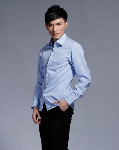 淘宝网热卖ck 男款浅蓝色细格纹简约衬衫 3折 -小小淘