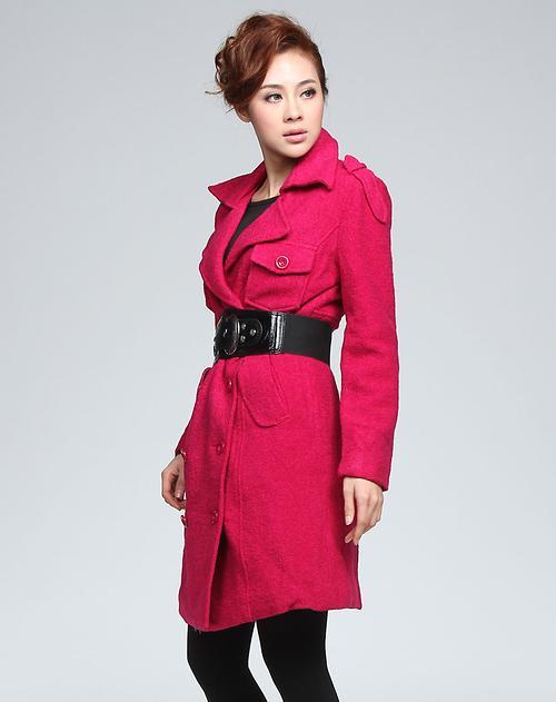 德·玛纳女款玫红色双排扣大衣