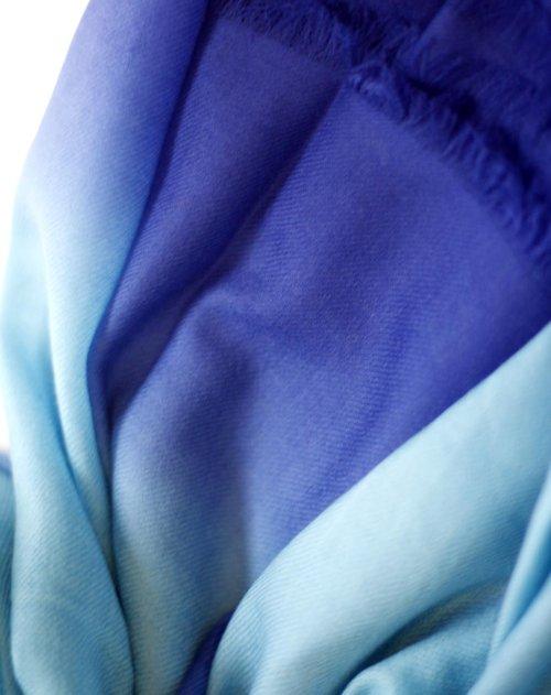 crespignano配件专场女款浅蓝色170支混绒渐变围巾