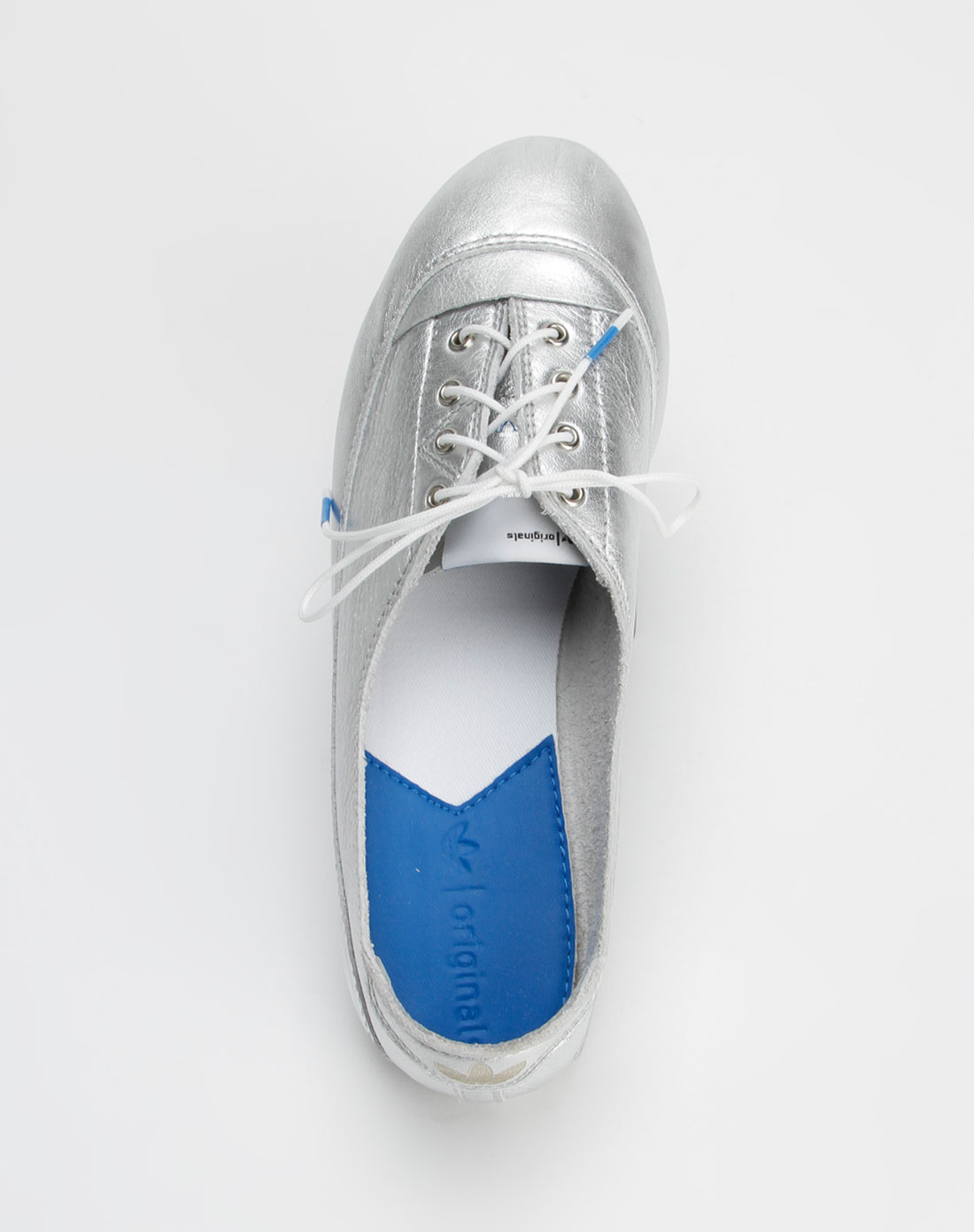 adidas女休闲鞋