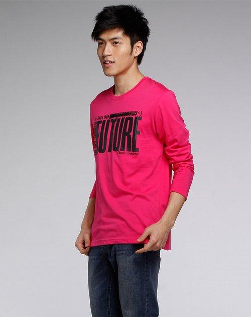 森马-男装玫红色印字时尚长袖圆领t恤图片