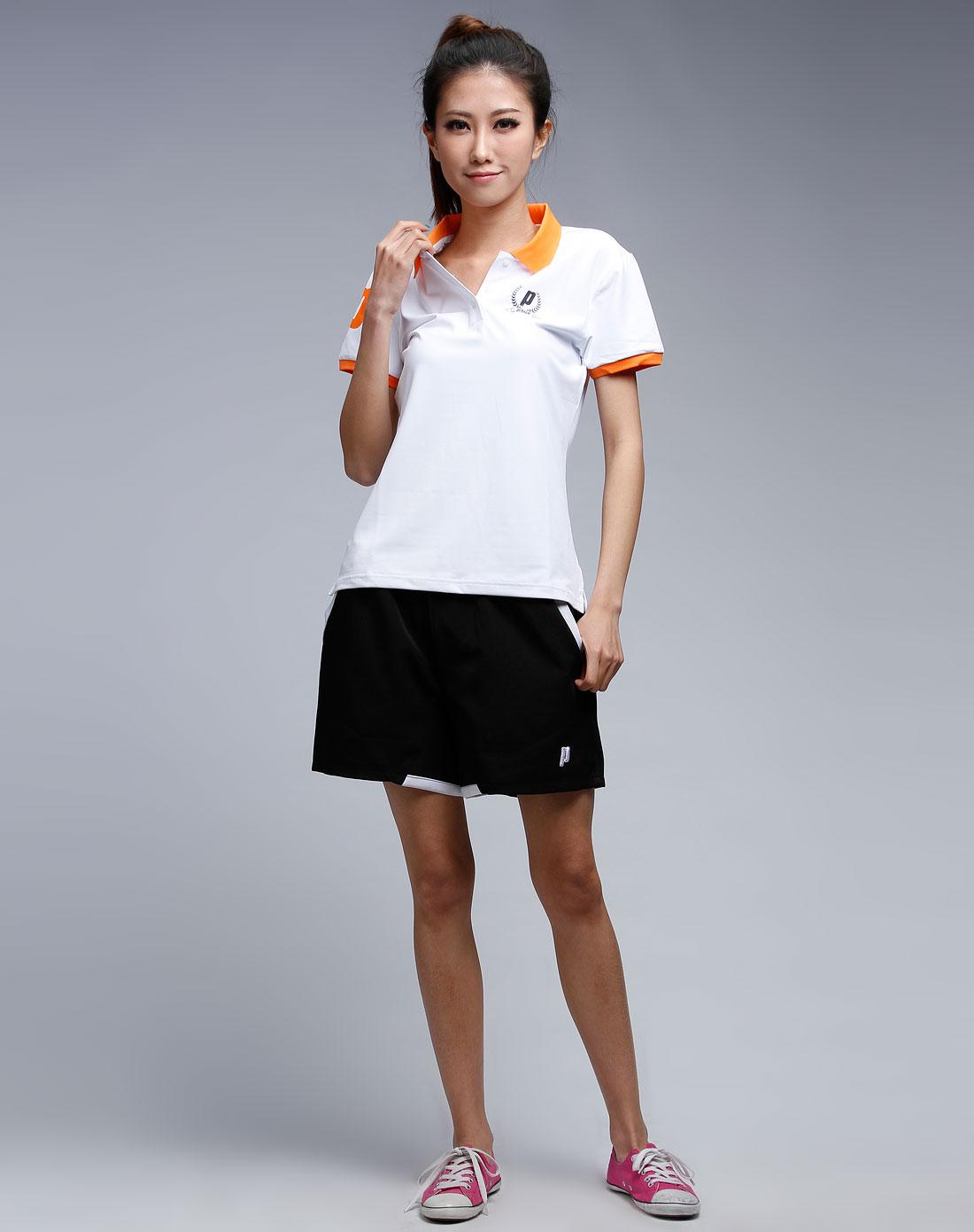 场白色短袖polo衫