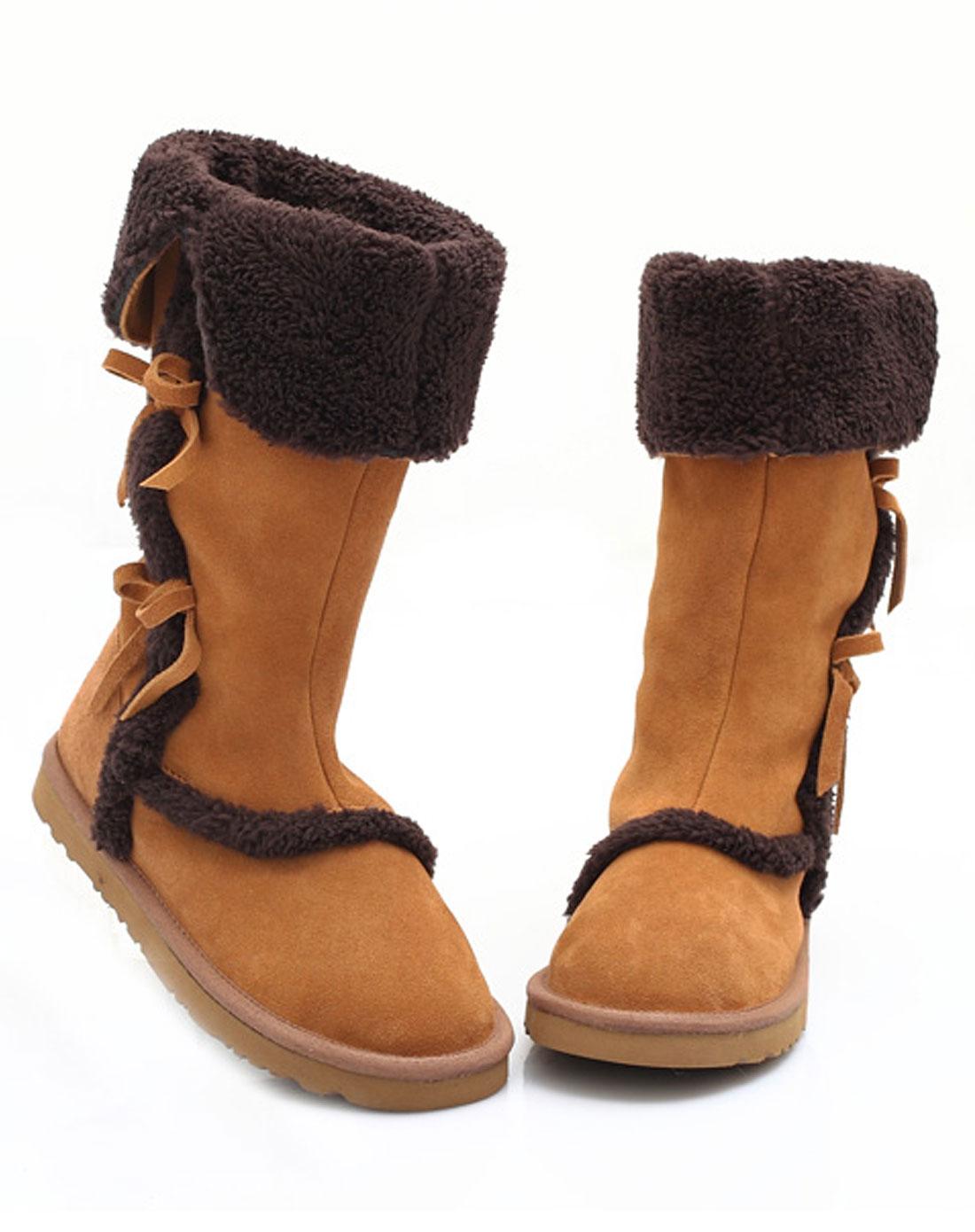 女款栗色雪地靴