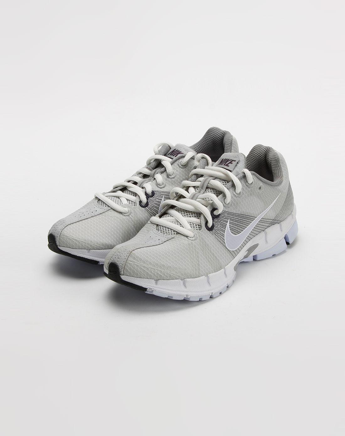 女款浅灰色系带跑步鞋