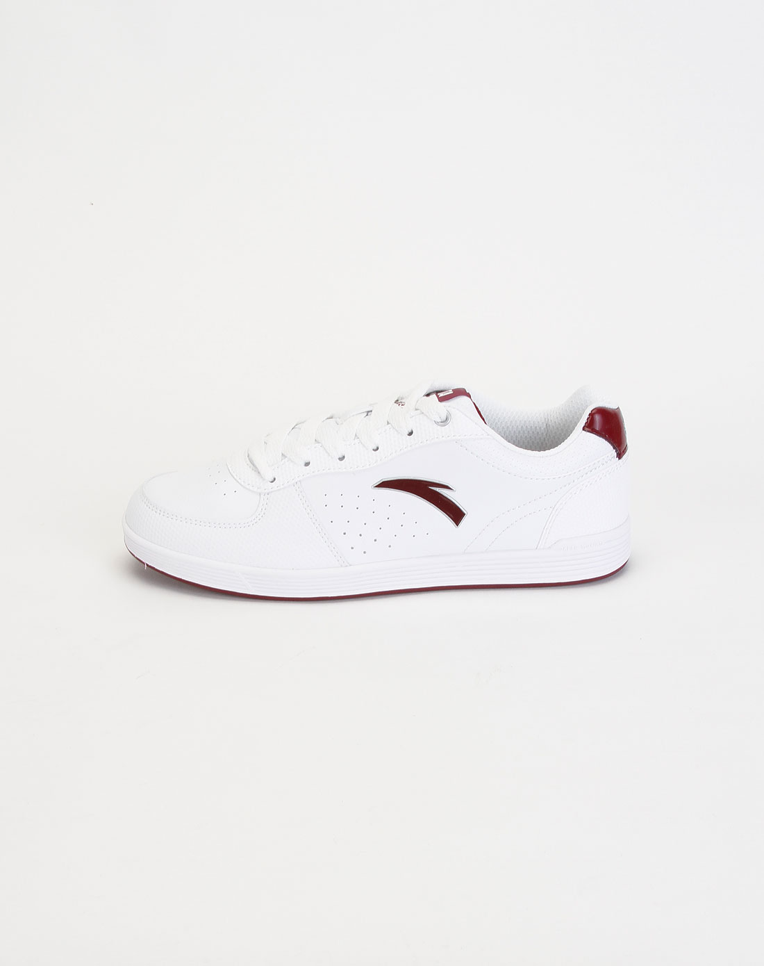 男款白色时尚运动板鞋