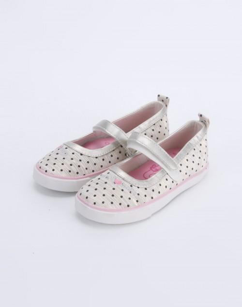女童白色布鞋