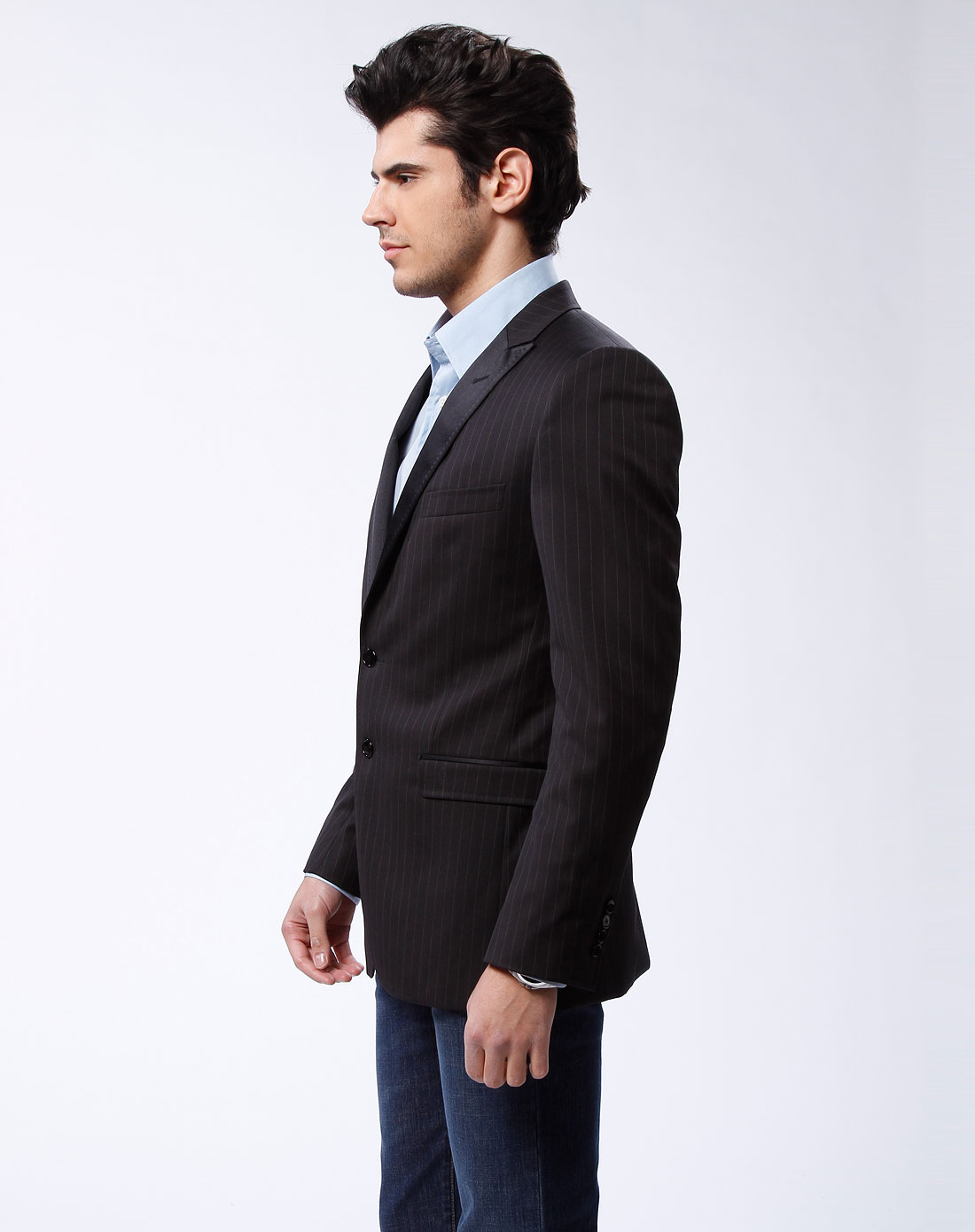 男款黑色翻领长袖西装外套