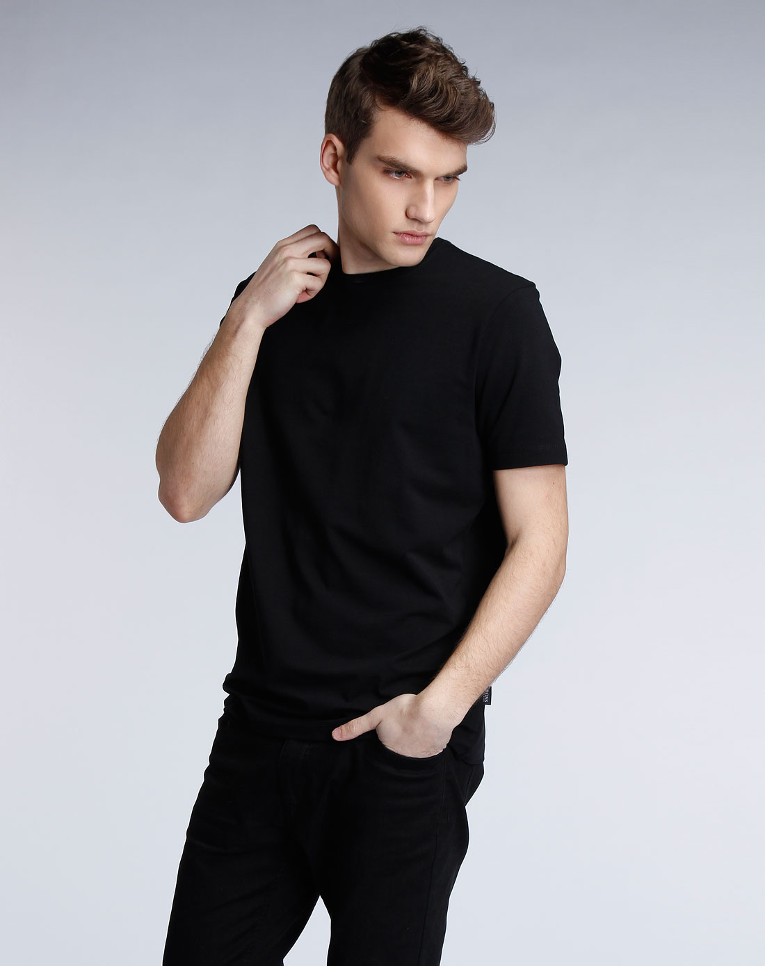 boss黑色短袖t恤