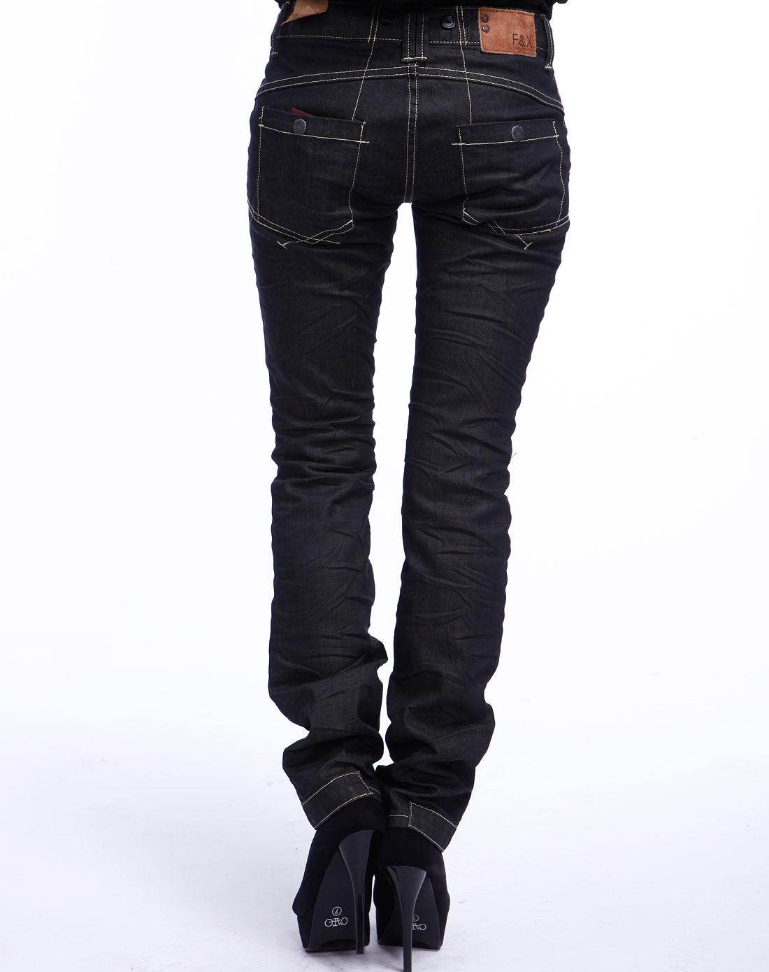 女款黑色休闲牛仔长裤