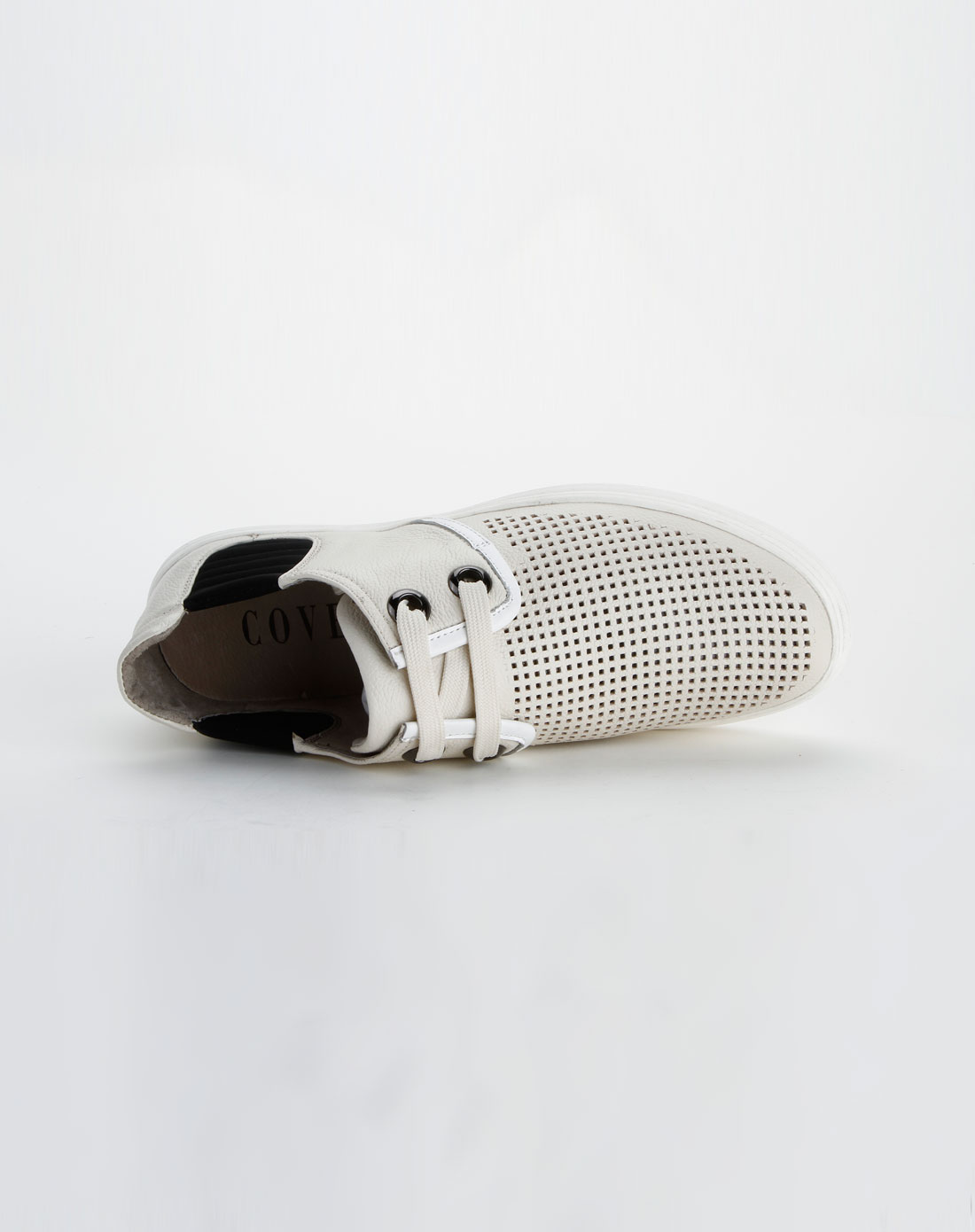 女士白色中跟皮鞋