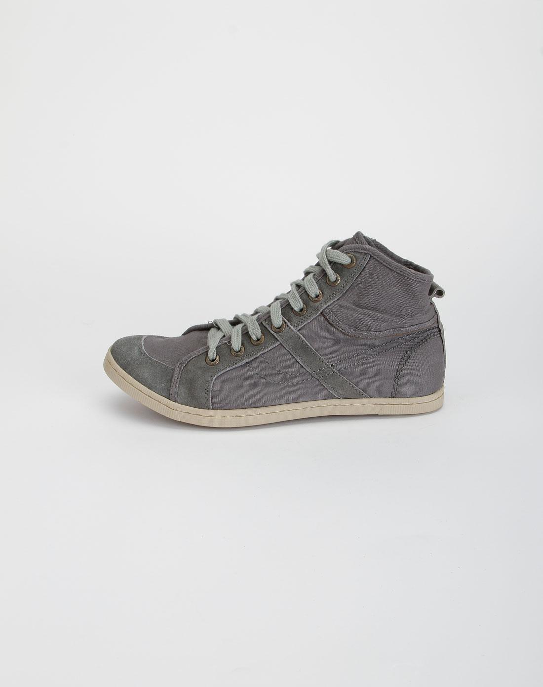 男款浅灰色休闲高帮布鞋