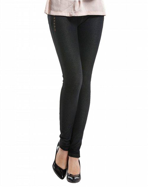 黑色时尚牛仔九分裤