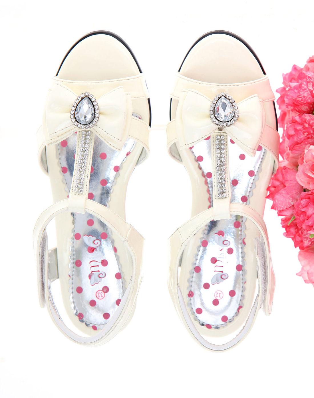 女童白色水钻之心精致小凉鞋