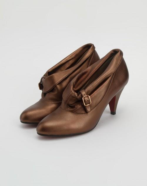 凉鞋带的系法图解