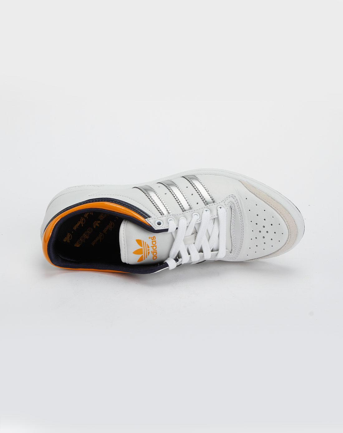 阿迪篮球鞋女款