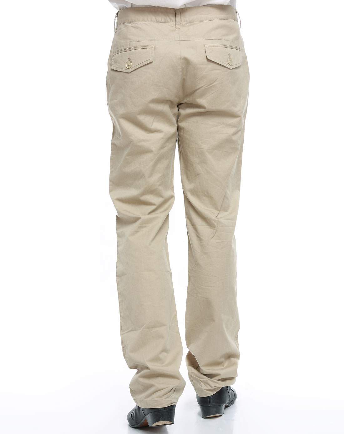 米色裤子配什么鞋子::米色鞋子配黑色裤子::米色裤子