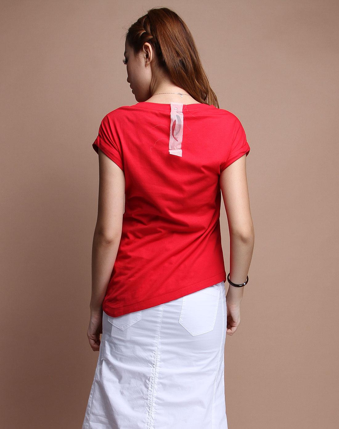 红色印图时尚短袖t恤衫