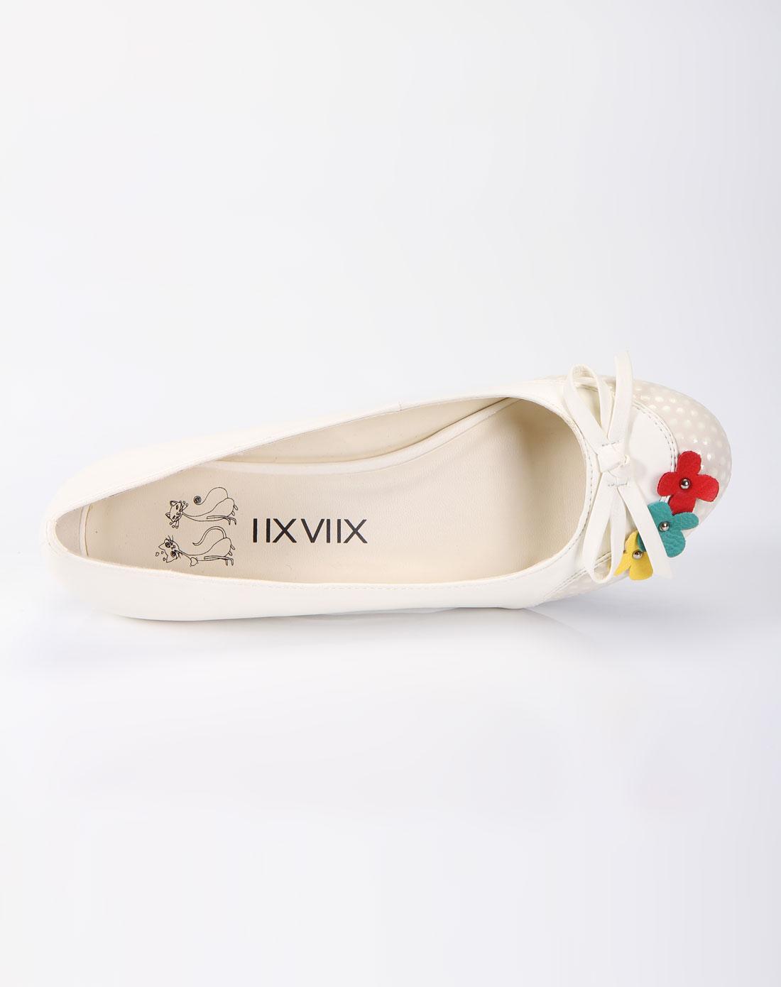 白色单鞋(瓢鞋)