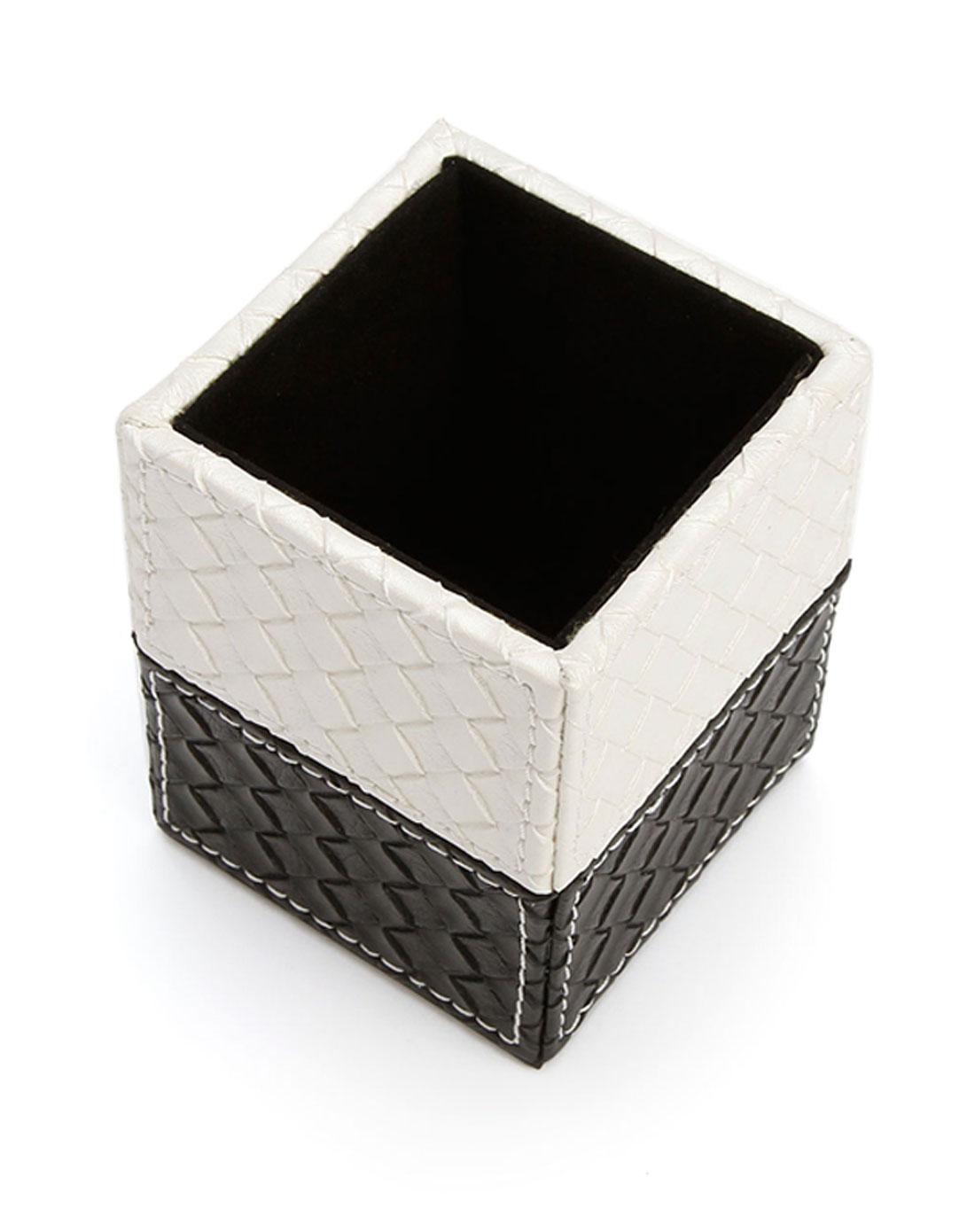 黑白编织纹方笔筒