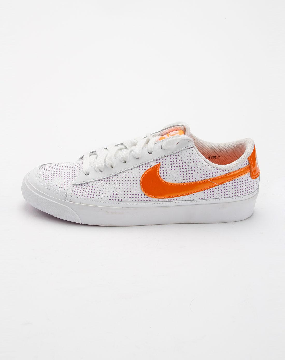 耐克nike女装专场-白色印点时尚运动鞋