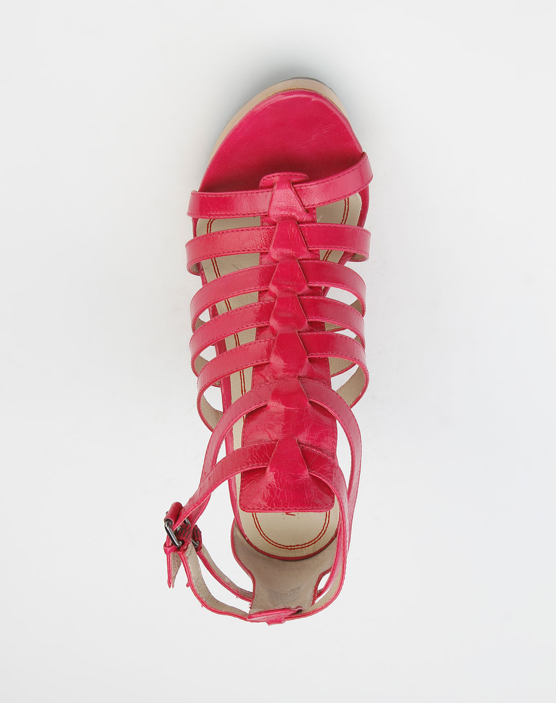 玫红色高跟凉鞋