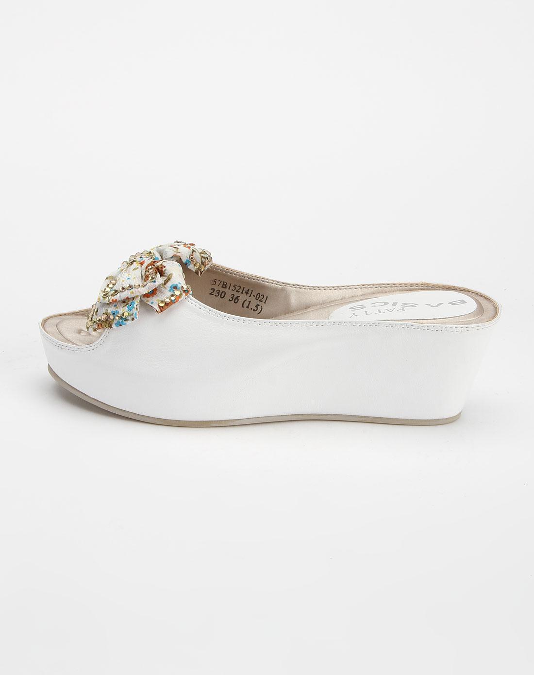芭迪patty女款白色时尚坡跟凉鞋