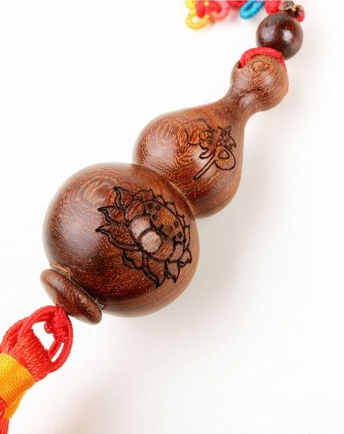 楞严咒小葫芦车饰/挂件(中) 全部由手艺人雕刻,打磨,成型,实木雕刻,从
