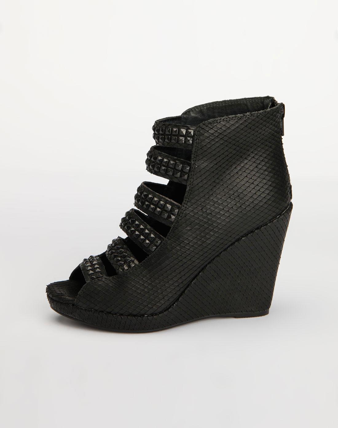 思加图staccato黑色蛇纹时尚高跟凉鞋