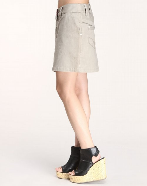 裙子 > a02女装专场浅驼色时尚短裙