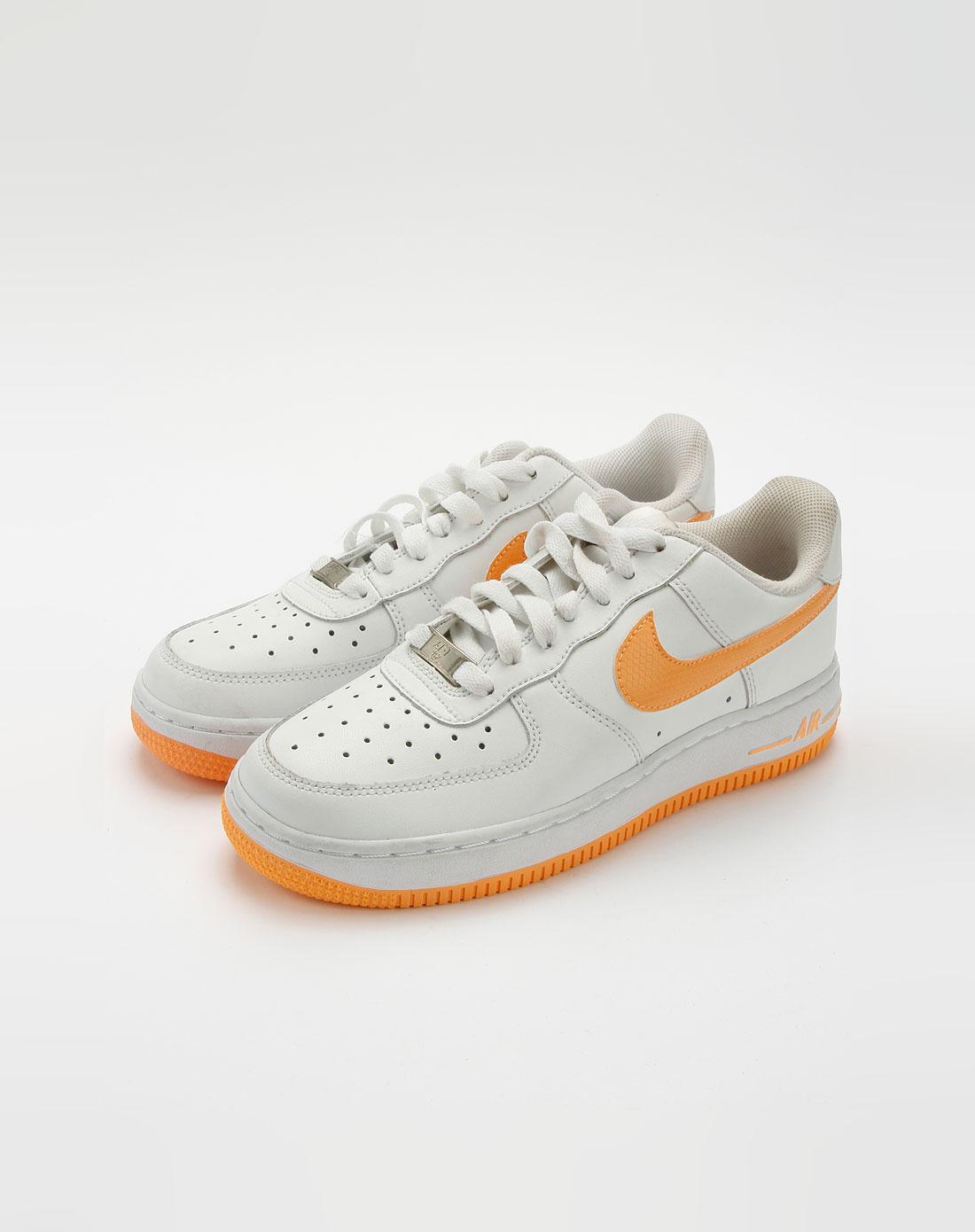 耐克nike白色时尚经典运动鞋
