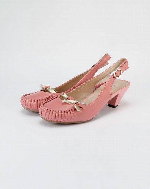 女款粉红羊皮鞋子