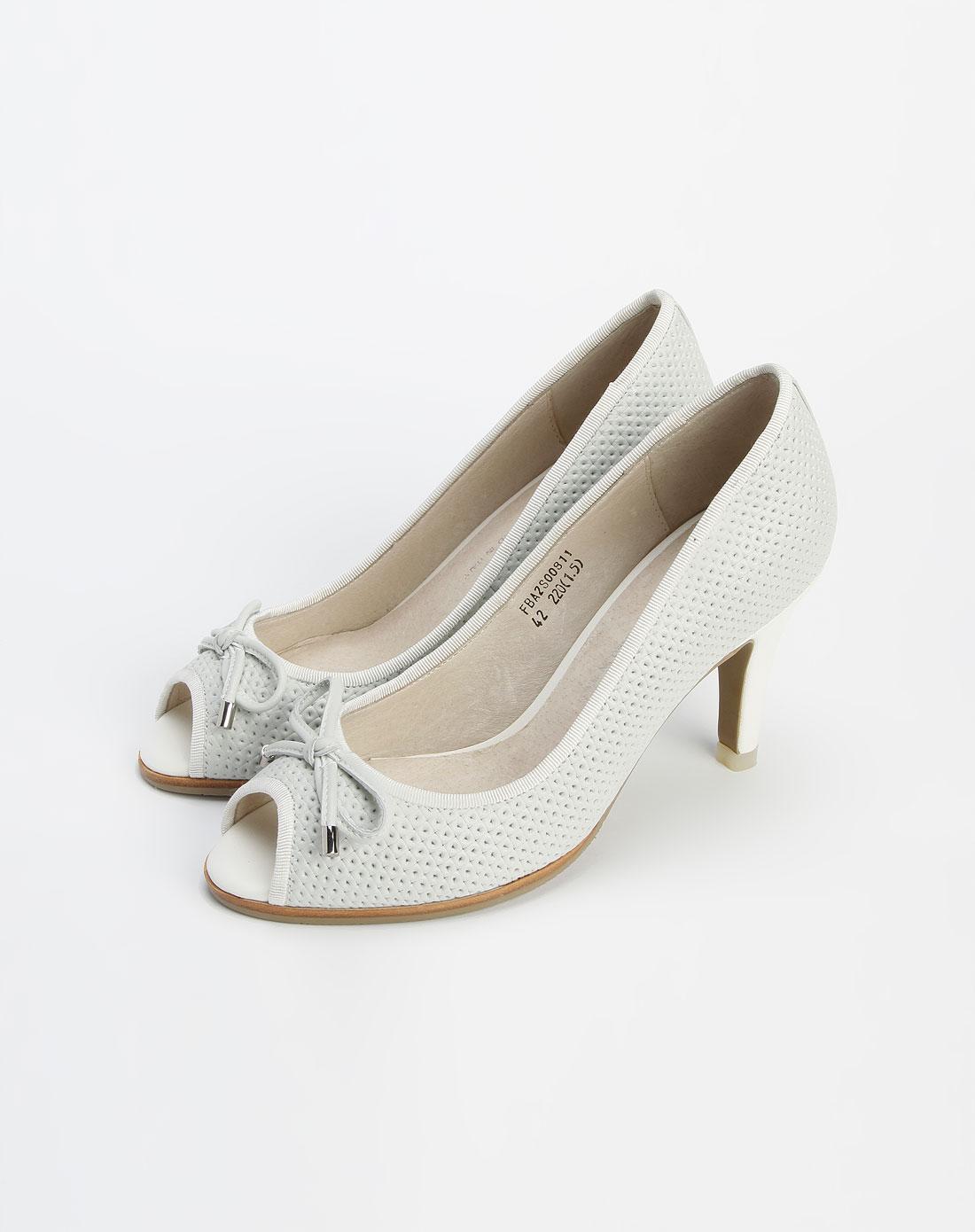 白色压孔鱼嘴高跟凉鞋1