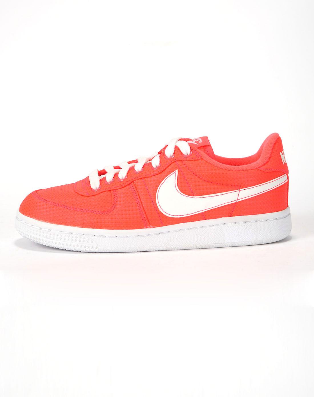 耐克nike女款红/白复古鞋