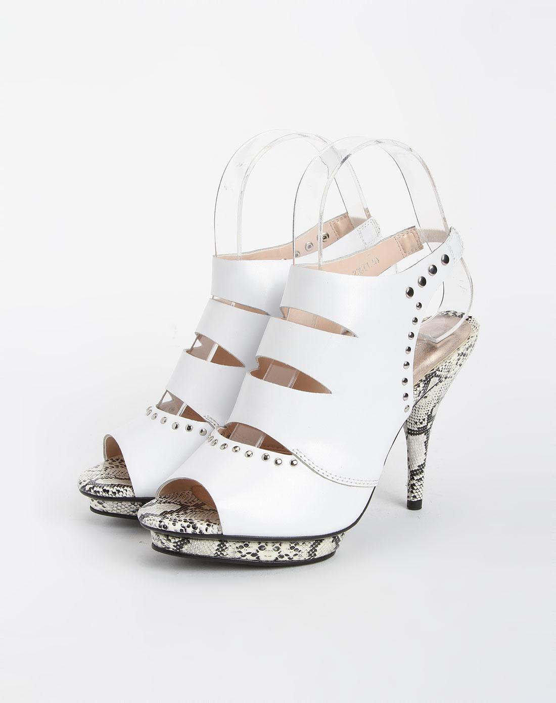 白色镂空牛皮时尚防水台高跟凉鞋
