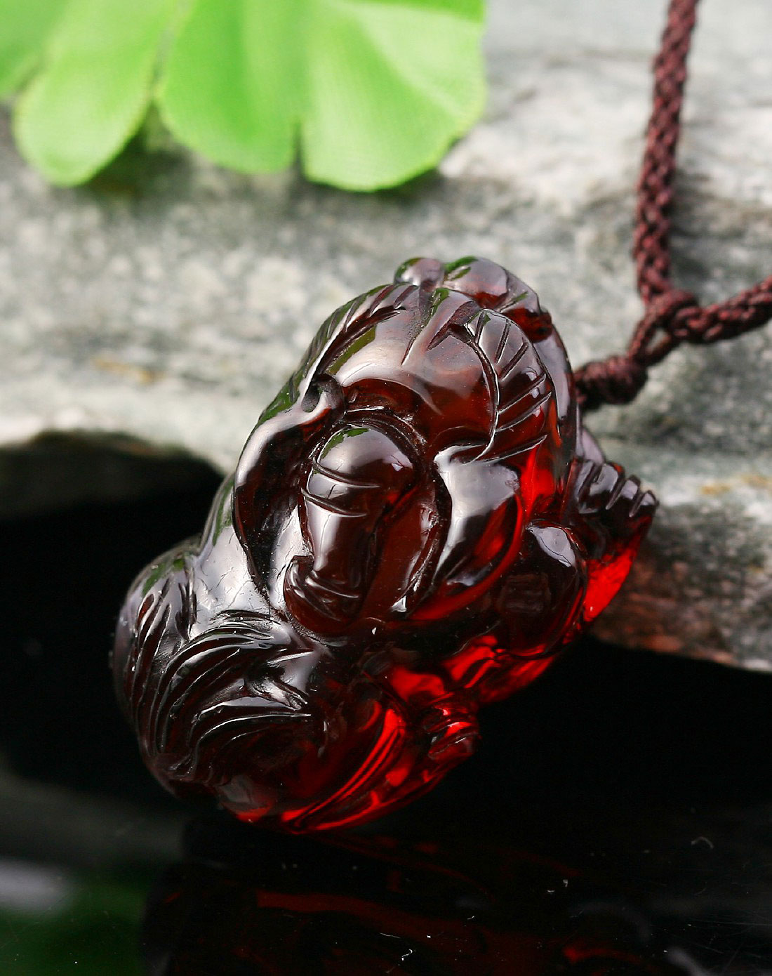 love招财貔貅血珀项链ts1209a0099