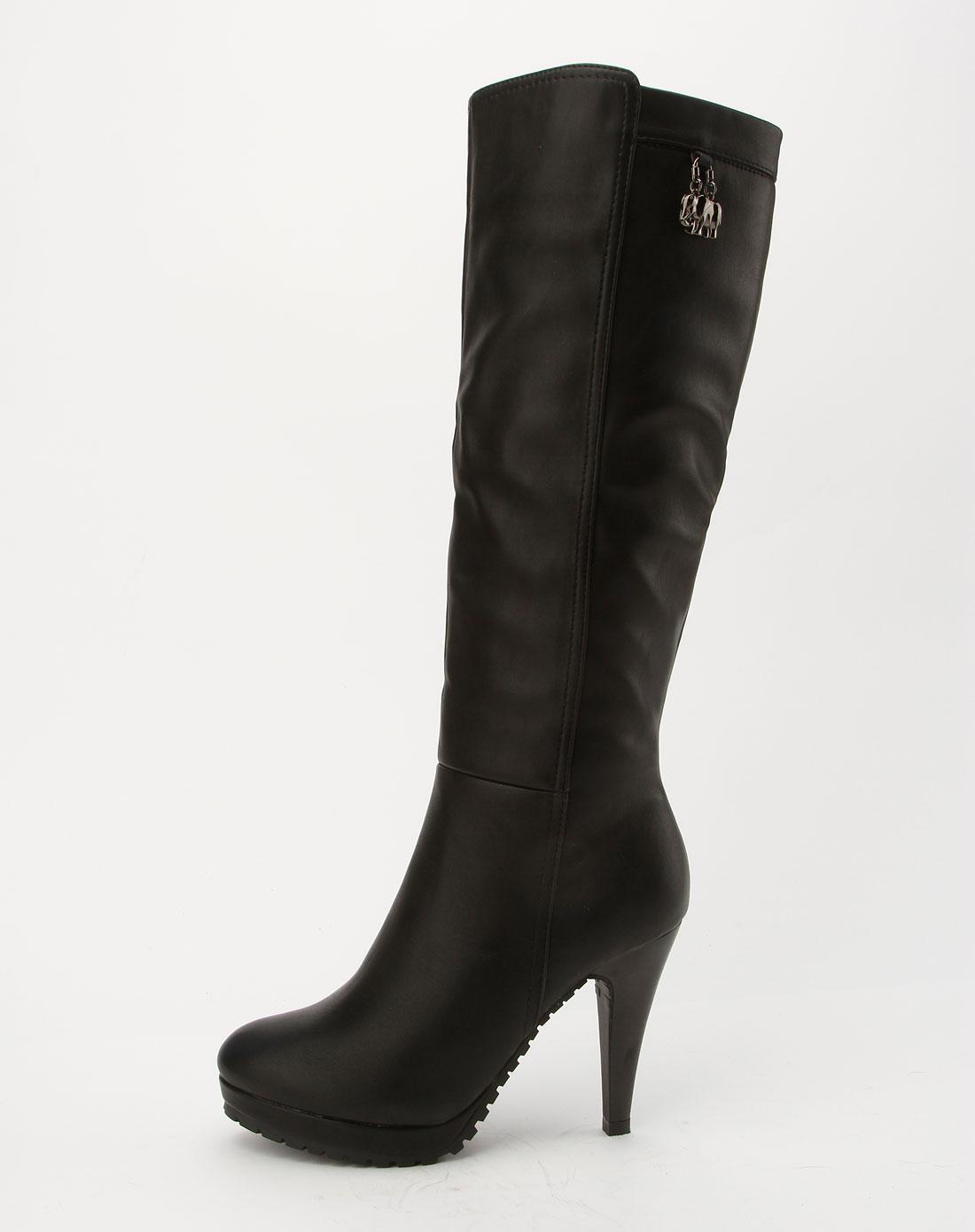 女款黑色冬靴