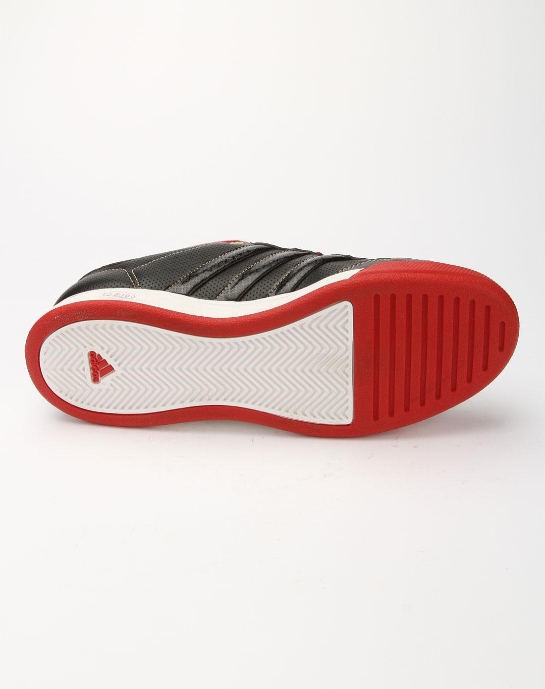 阿迪达斯adidas黑拼校园红色休闲运动鞋u43825