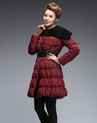 titi枣红色拼接时尚长袖羽绒服t124y458105