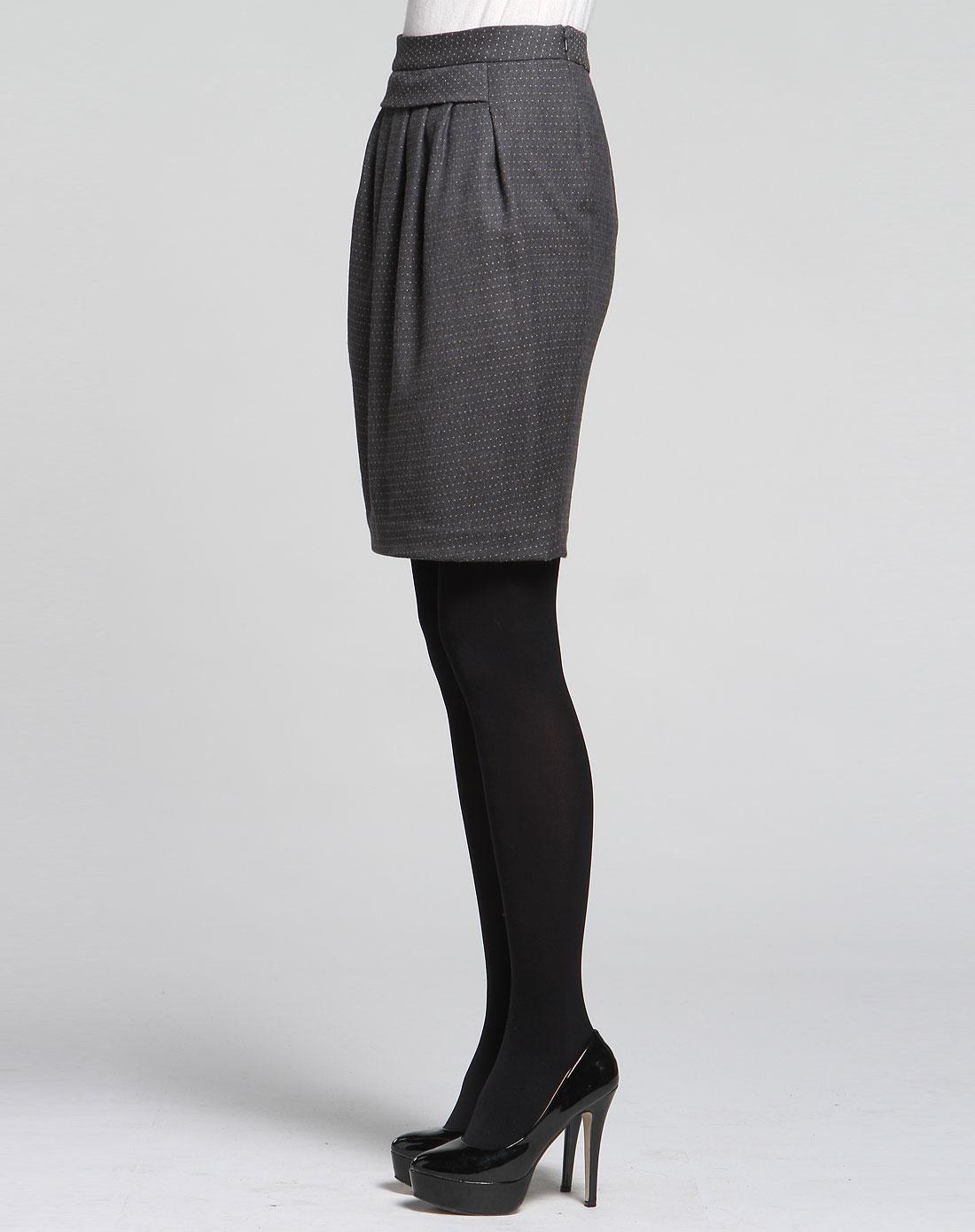 深灰色休闲中裙
