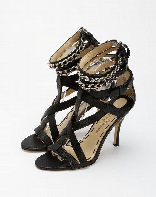 黑色后拉链高跟凉鞋