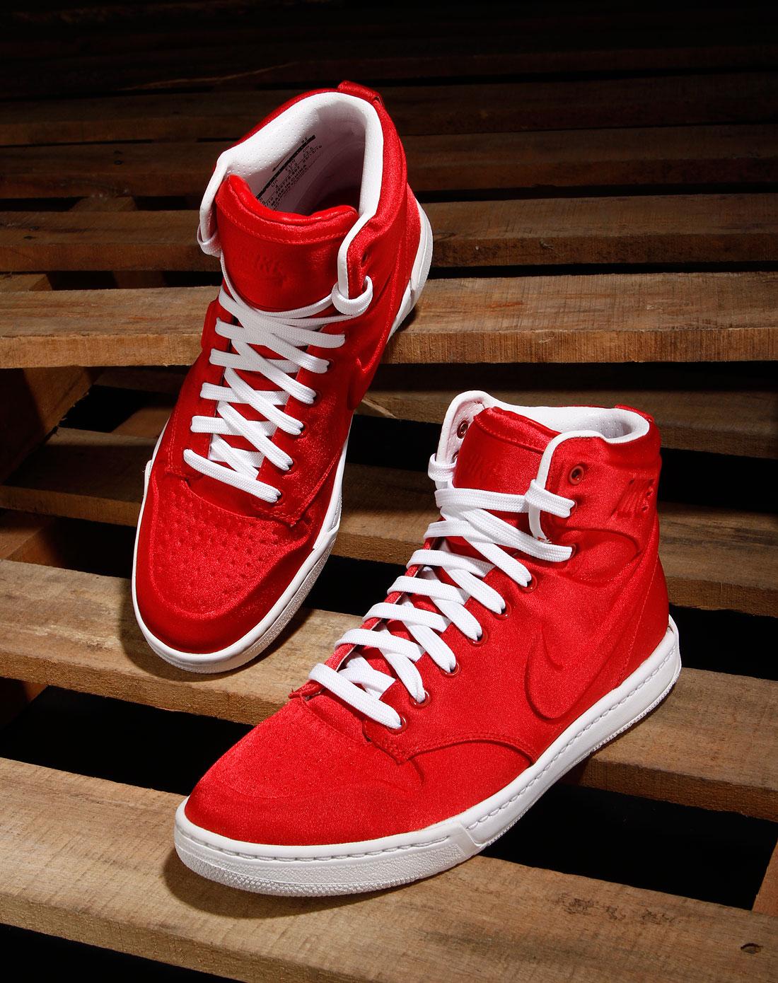 耐克nike女款运动红/白色绑带时尚高邦运动鞋395775