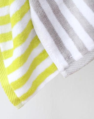灰白条纹竹纤维亲肤浴巾