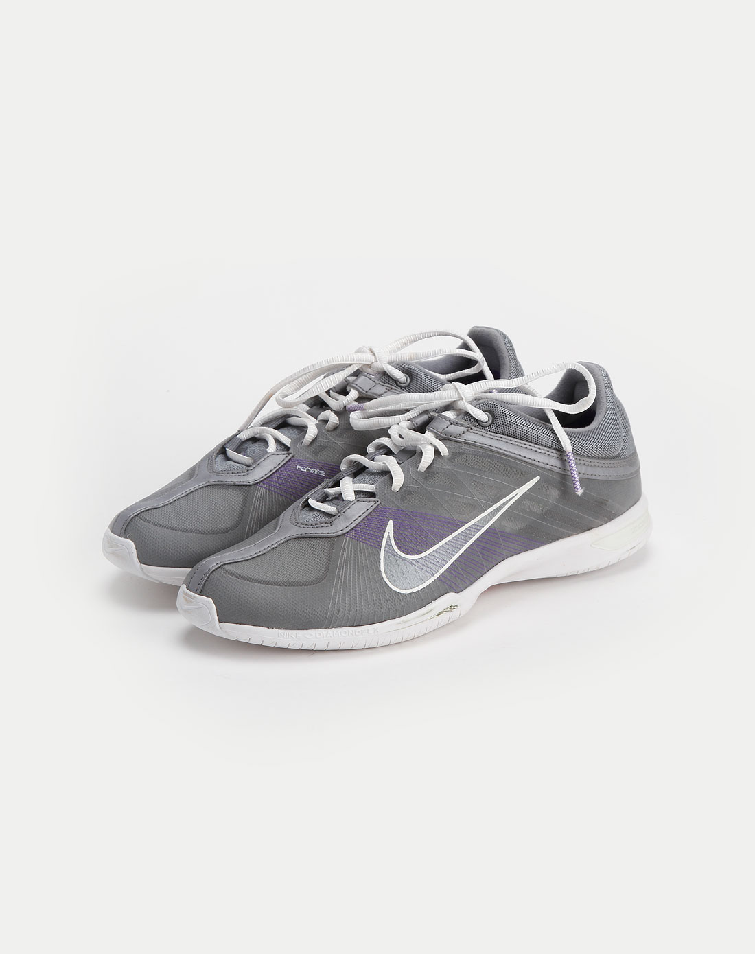 灰色时尚系带运动鞋_耐克nike-女装专场特价2.5-4