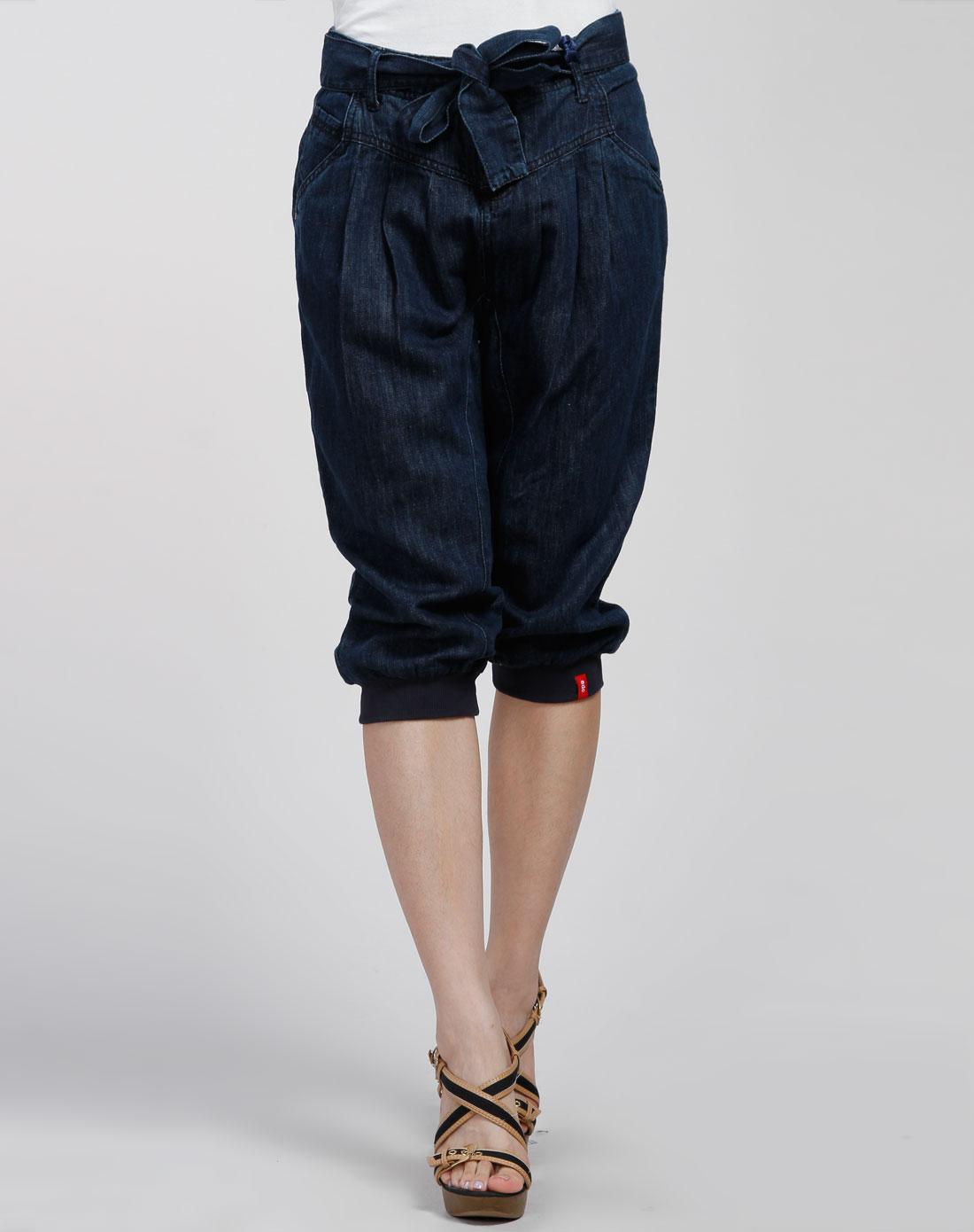 款藏蓝色休闲牛仔中裤