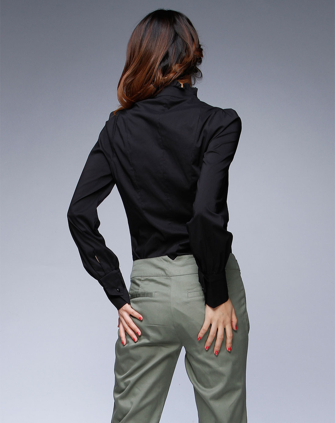 领�9k�iY�[��y�N���_lily 黑色褶皱领休闲长袖衬衫
