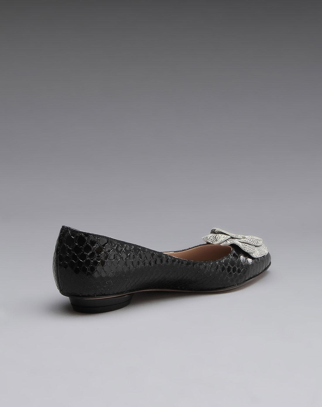 雅牛皮平底鞋黑色
