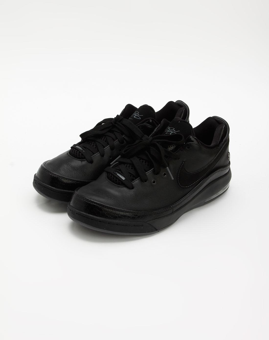 黑色时尚气垫篮球运动鞋