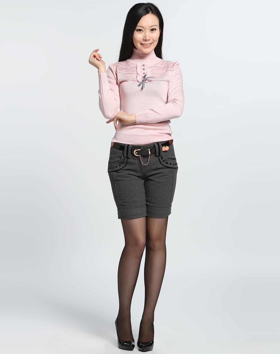 女款粉红色高领长袖针织衫